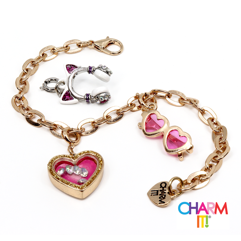 Gold Heart Charm Bracelet Set 1
